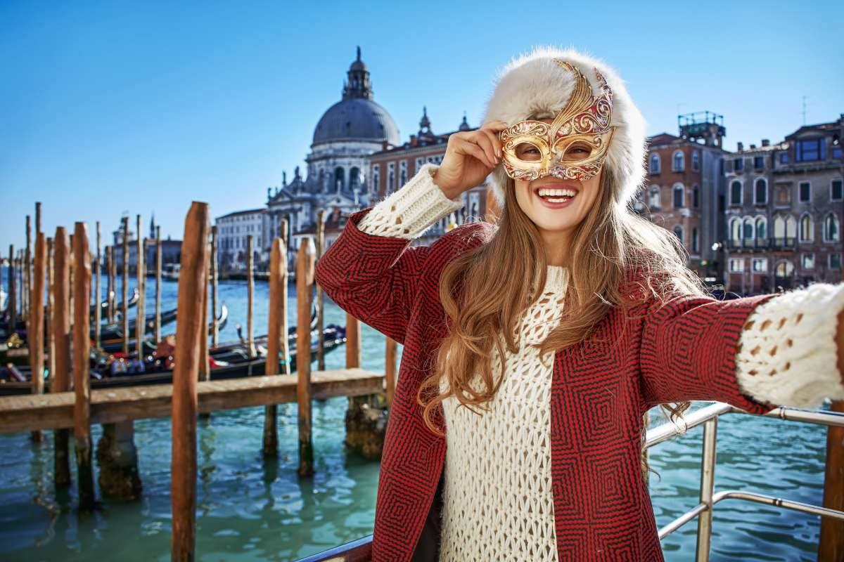 Carnaval de Venecia, combina Eslovenia con Italia