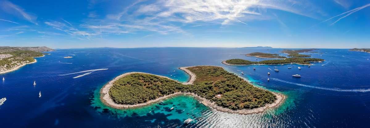 Isla en forma de corazón - Parque Nacional Kornati