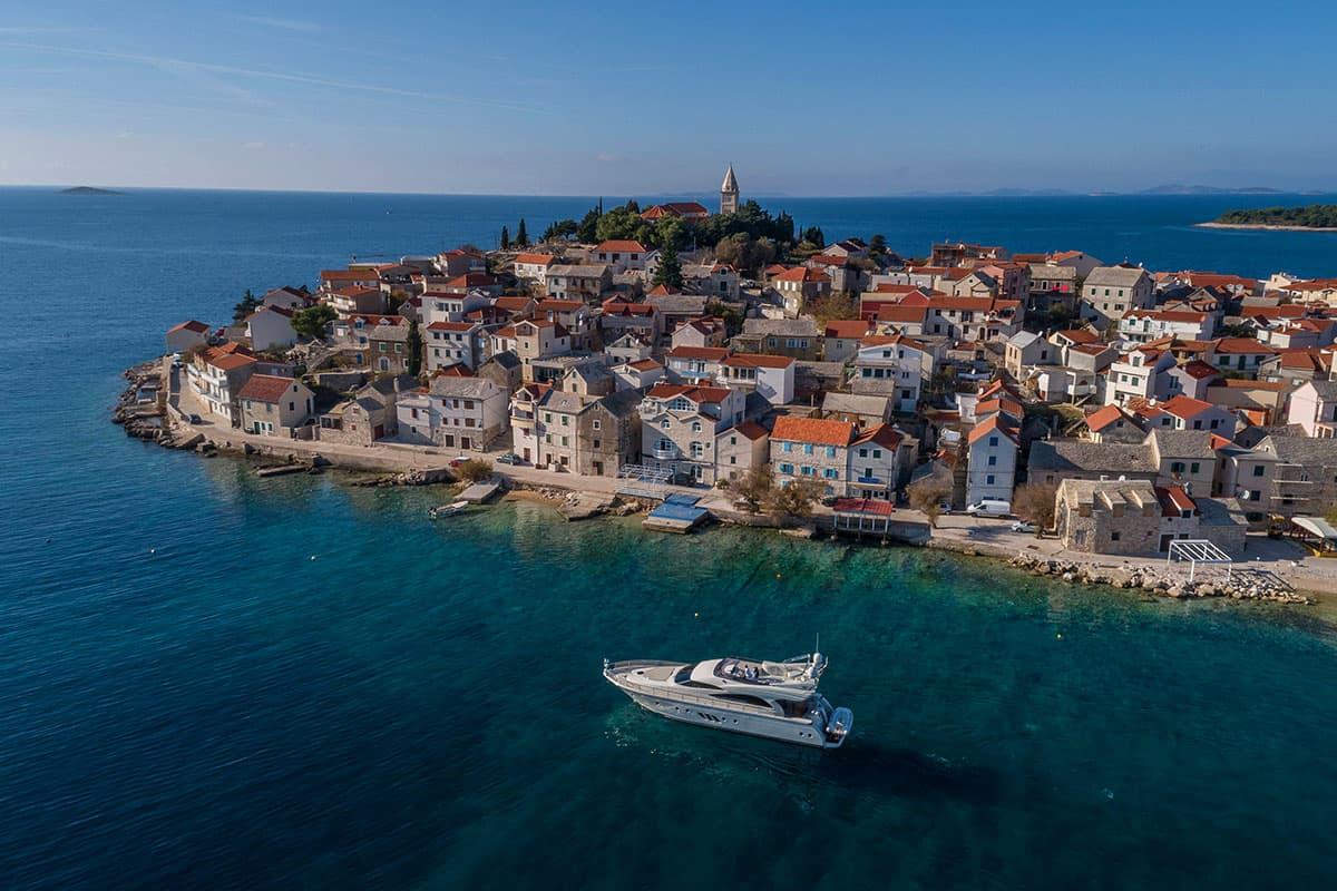 Yates en Croacia - Discovery