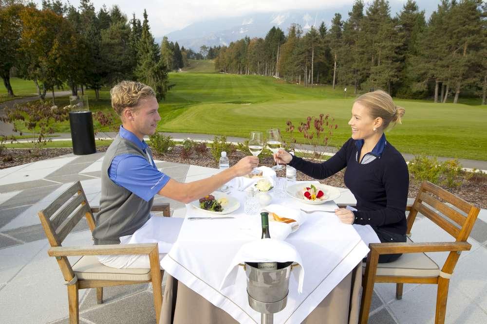 Cena después de partida de golf