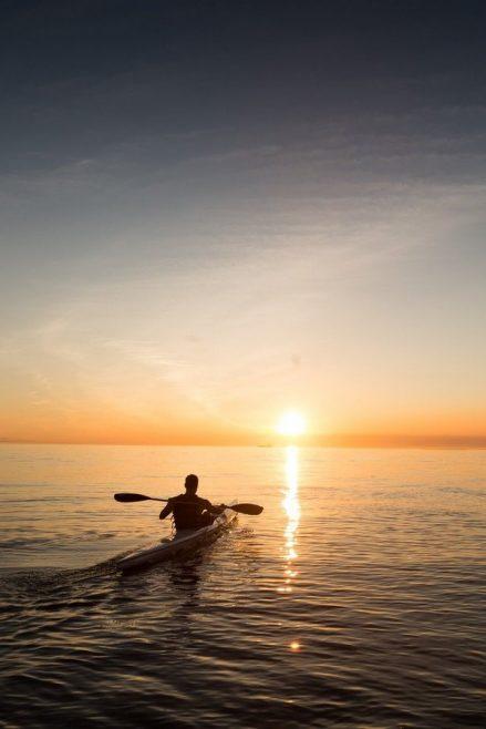 Excursión en kayak en el mar